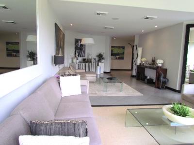 Apartamento en Santa Ana / Ubicación, Naturaleza, Lujoso condo #9733