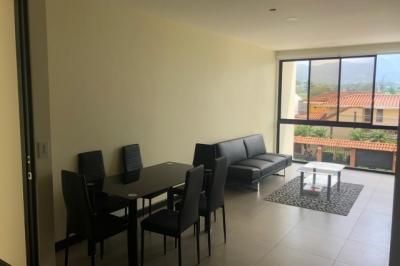 Apartamento en alquiler, ubicada en Urbanización Río Oro, Santa Ana, (Amueblado)