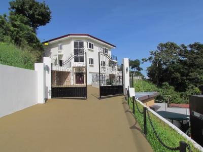Alquiler Casa , 4 Habitaciones, 3 Niveles, Santa Ana ID6940