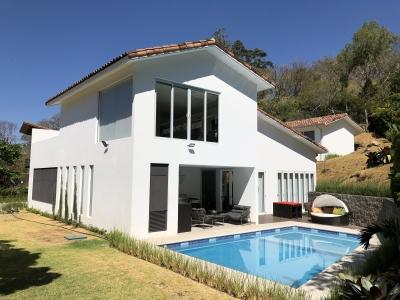 Bella casa en villa real