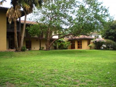 ¡Precio Reducido! Casa en Santa Ana en Exclusivo Condominio