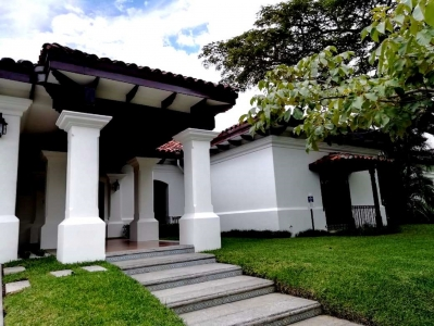 CityMax alquila vende Casa Colonial Bosques de Lindora