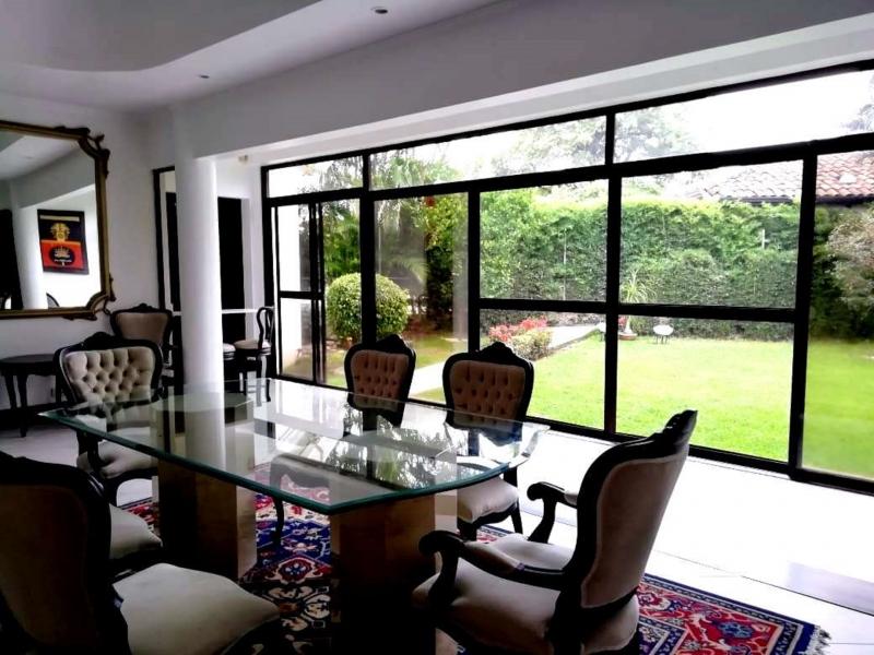 casa de una sola planta en el residencial que quieres para tu Familia en Lindora!