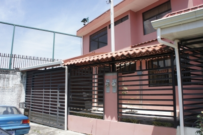 Hermosa casa en alquiler en Moravia MLS 18-174