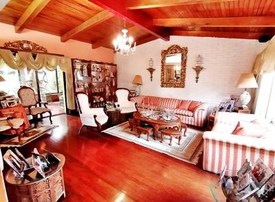 Casa en Moravia / Acogedora de 5habs de 1 nivel con ubicación céntrica y segura.
