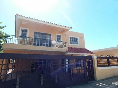 Espectacular   y Amplia Casa, en San Isidro