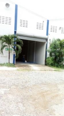 Alquilo Nave de 350 m2 en Zona Oriental