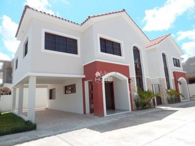 Hermosa Casa Con Diseños Modernos