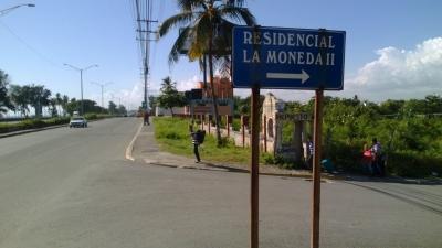 SOLAR EN EL RESIDENCIAL LA MONEDA, SANTO DOMINGO ESTE