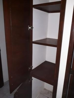 Apartamento de 3 habitaciones, 2 baños y 1 parqueo