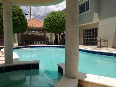 Venta casa de 2 niveles con piscina barbecue y gazebo