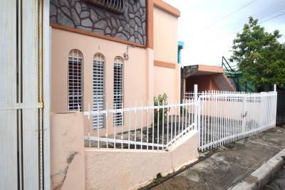 Maria trinidad sanchez casa con dos plantas