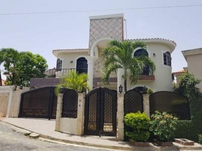 Casa en venta con piscina la casa de tus sueños