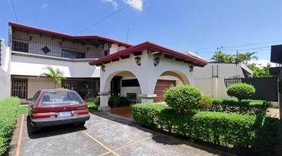 Casa Espectacular, con 4 Habitaciones, Freses, Curridabat
