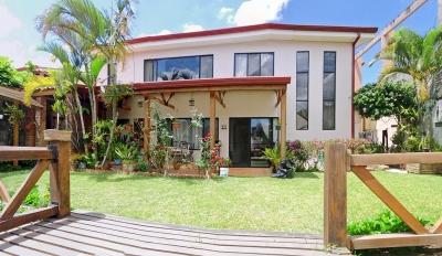 GANGA - Venta de Exquisita Casa con 5 Habitaciones, Pinares, Curridabat