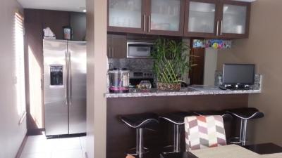 Apartamento en Venta en Pinares, Curridabat, en Condominio. REF 2763