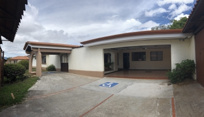 Alquiler de Casa Grande en Pinares, Curridabat, San Jose.