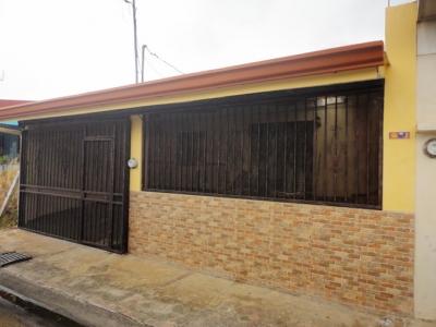 SE VENDE CASA Y APARTA. EN URB. LOMA LINDA 2, SAN ANTONIO ALAJUELA (NHP-398)