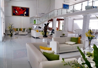 Quinta en Turrucares / Lujosa de 14346m con finos acabados y amplios espacios.