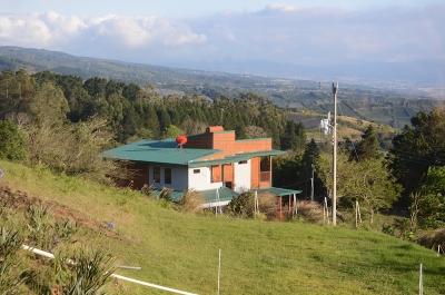 Casa de Montaña en Poás de Alajuela