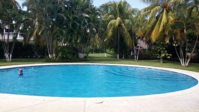 Preciosa casa en condominio, piscina, jacuzzi, rancho, área social, parqueo
