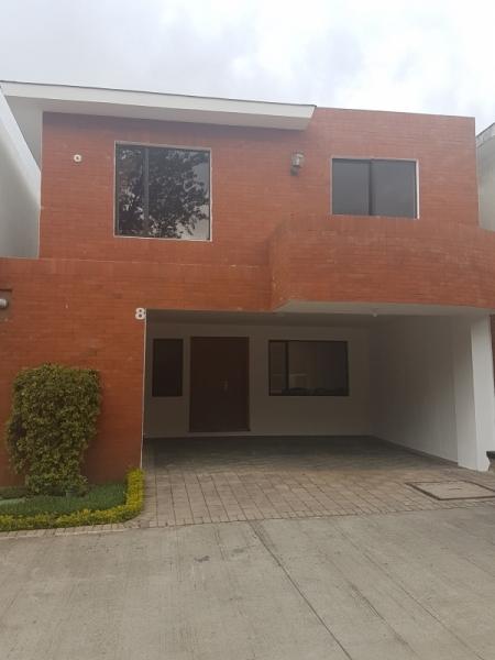 Linda Casa en Condominio Isabella