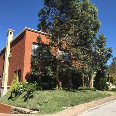 Amplia Casa de 4 habitaciones en venta en C.E.S