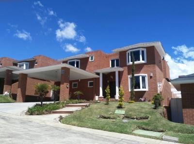 Se vende casa en Colinas de Castell, Carretera al Salvador