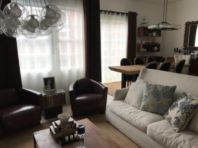 Casa a la venta con 3 habitaciones ubicada en C.E.S