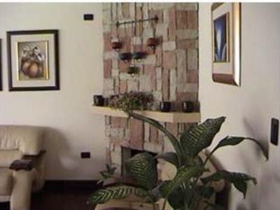 Preciosa casa en Colinas de Castel