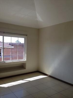 Vendo casa amplia en Carretera a El Salvador Km 18.5.