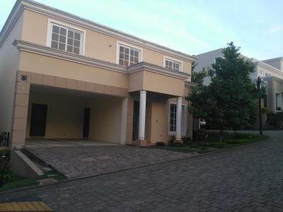 Vendo Casa en Condominio Residenciales Villas de Entreverde Km 21.5 Carretera a EL Salvador, Fraijanes
