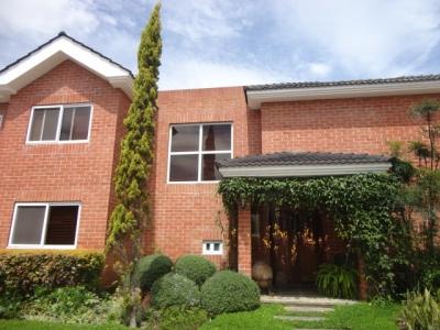 VENDO preciosa casa 4 Dormitorios Km 20.2 CAES BAJA DE PRECIO!!! EXCELENTE OPORTUNIDAD