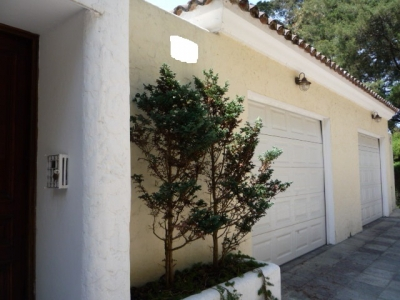 VENDO linda casa de 3 habitaciones, linda vista al vocán, sector exclusivo muy cerca de la ciudad