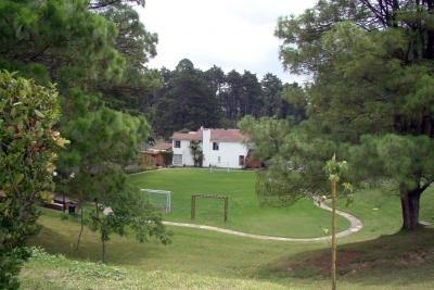 Acogedor TownHouse en bonito condominio seguro y cerca de la carretera!
