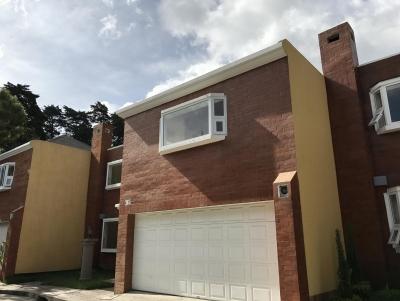 Vendo 2 Amplias Casas 4 Dormitorios Km 14.5 Carretera A El Salvador, Excelente ubicación!