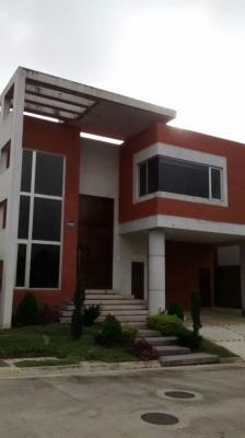 Casa en condominio de 330 m2 de construcción en Venta, Carretera a El Salvador
