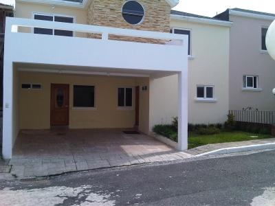 Casa de 220 m2 de construcción en Venta, Carretera a El Salvador