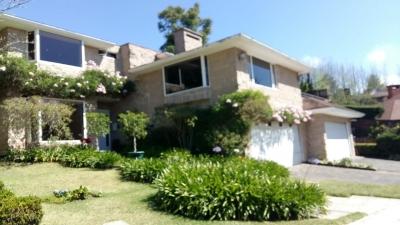 Casa de 700 m2 de construcción en Renta, Carretera a El Salvador