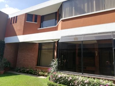Preciosa Casa en Venta km. 8.5 Carretera a El Salvador