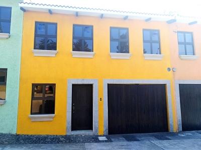 Casa en venta ubicada en la Cuchilla El Carmen / Santa Catarina Pínula
