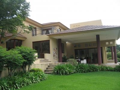 Hermosa casa en venta en Santa Catarina Pinula