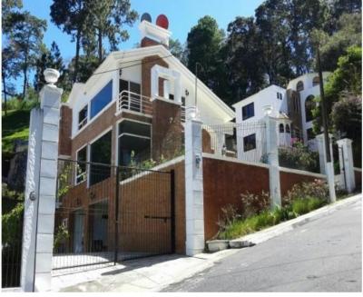 Vendo Casa en Residenciales Bellas Luces, Santa Catarina Pínula