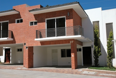 Residencia Moderna Para Estrenar En Condominio Trivento De San Vicente.