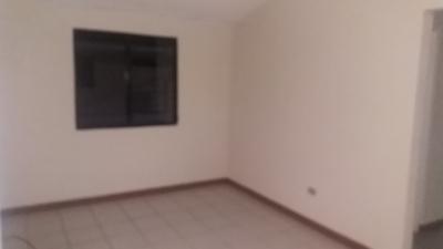 Venta casa en condominio Villa Real