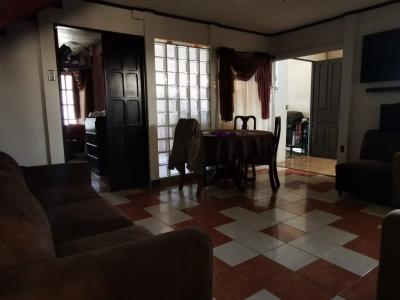 Cómoda casa muy céntrica en Ochomogo