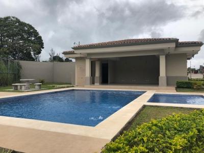 Estrene su casa nueva en condominio Karataba en Taras de Cartago