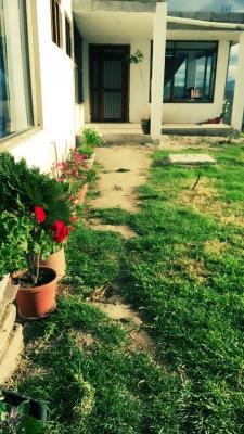 Casa con amplio terreno y hermosa vista en Yaruqui