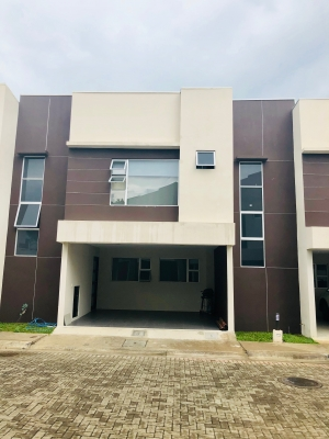 ULTIMAS 3 CASAS EN CONDOMINIO EN ALREDEDORES DE REAL CARIARI