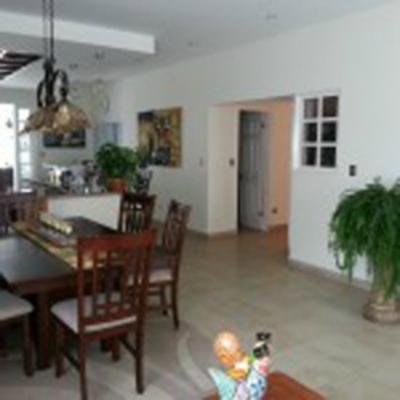 Casa en Venta en Heredia, con apartamento.- REF 2808